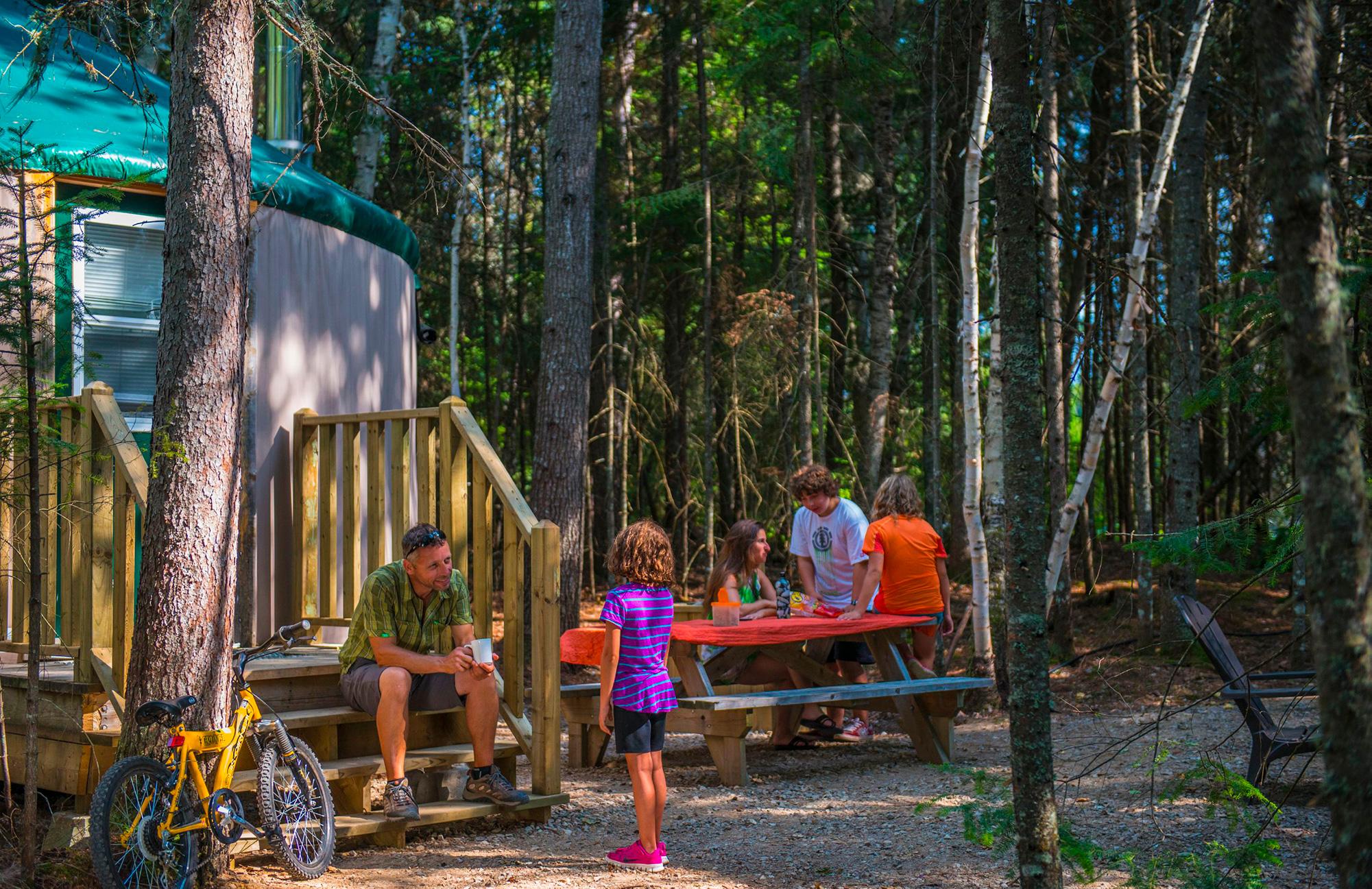 Yourte dans le parc national du Mont-Tremblant