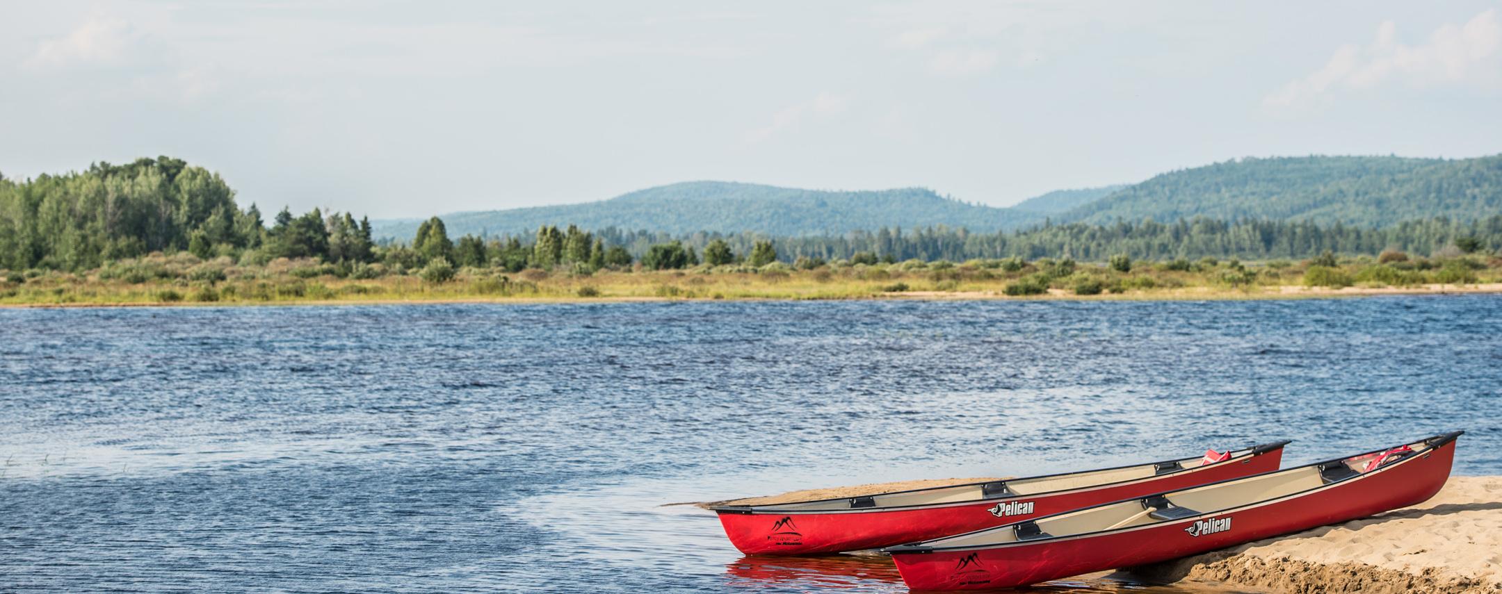 Plage et canot Lac Taureau