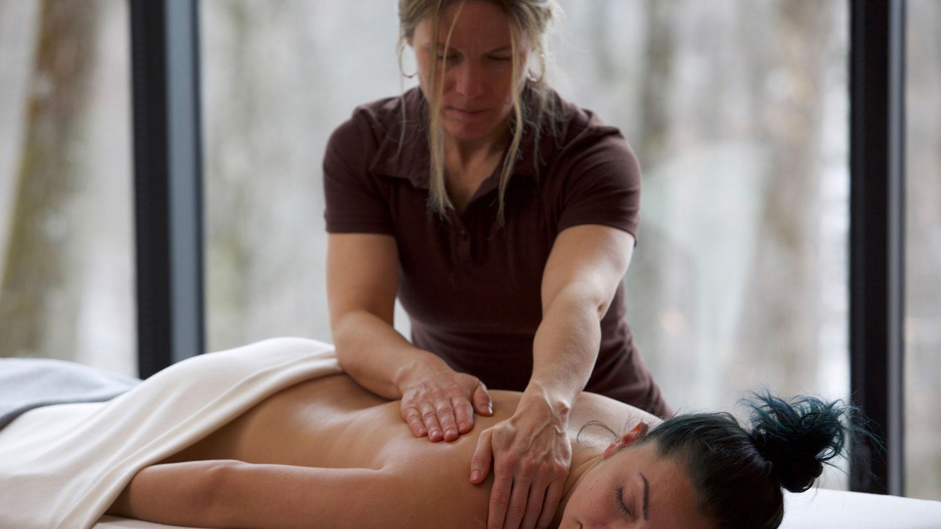 Massage à la source bains nordiques