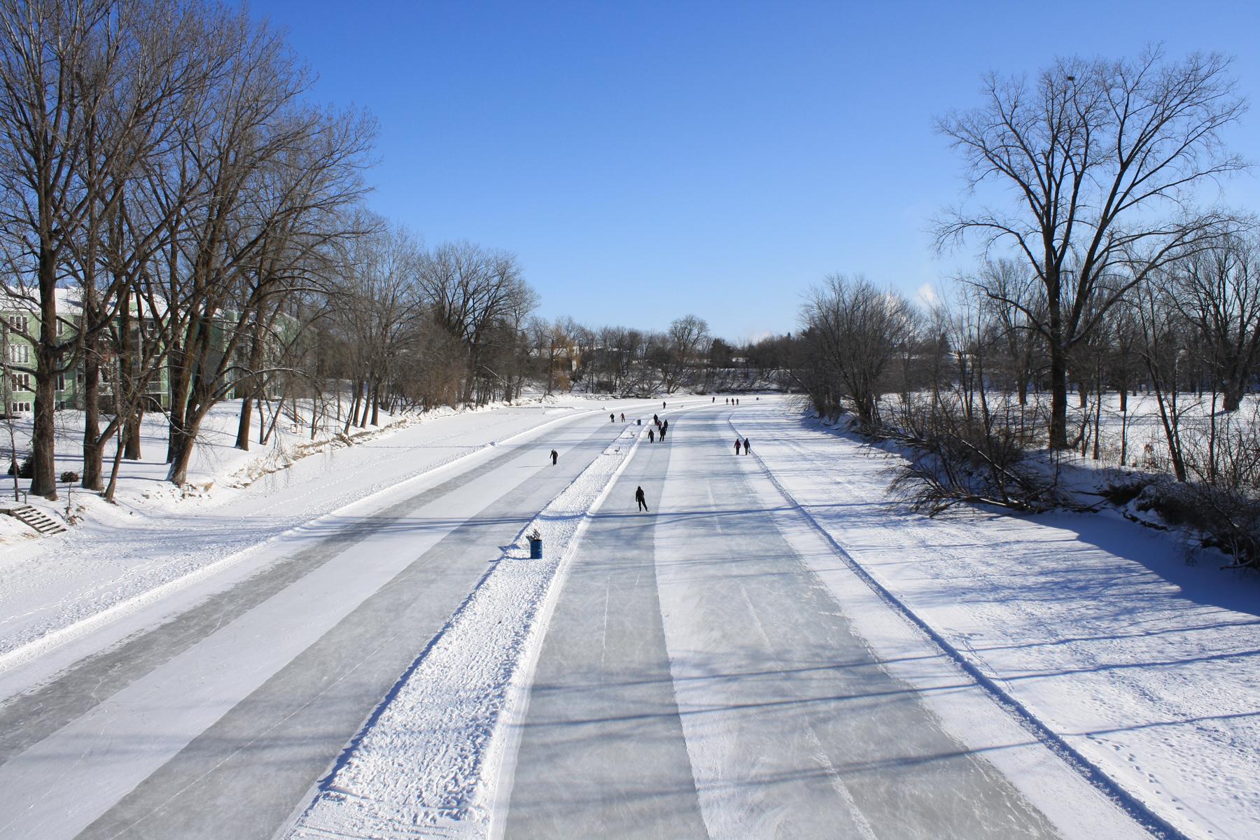 Couloirs de patin sur la rivière L'Assomption